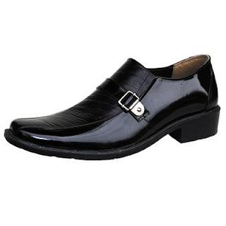 Sepatu Monument KT 01