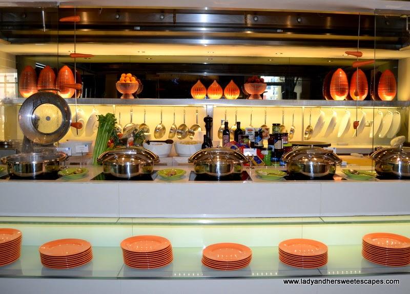 BubblOrange Brunch buffet counter