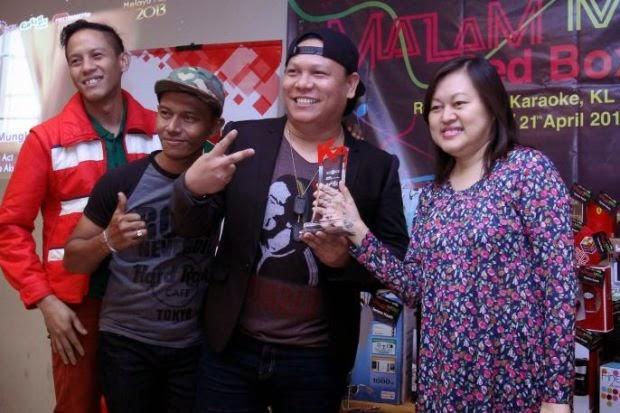 Senarai lagu popular di pusat karaoke Red Box, Lagu Berbahasa Malaysia Paling Popular Red Box 2013, Lagu Berbahasa inggeris Paling Popular Red Box 2013