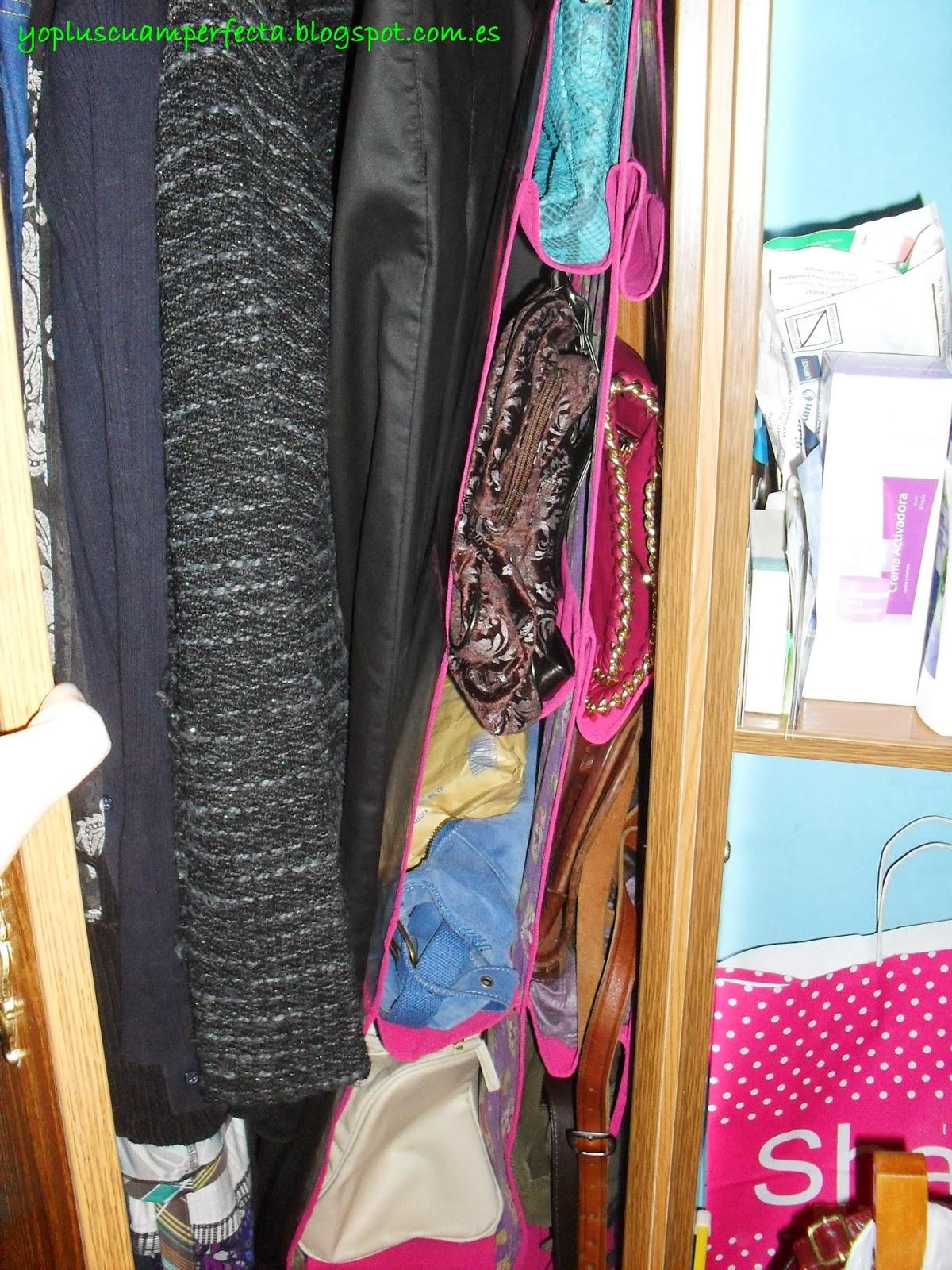 as quedan los bolsos en el armario un poco prieto pero est a rebosar