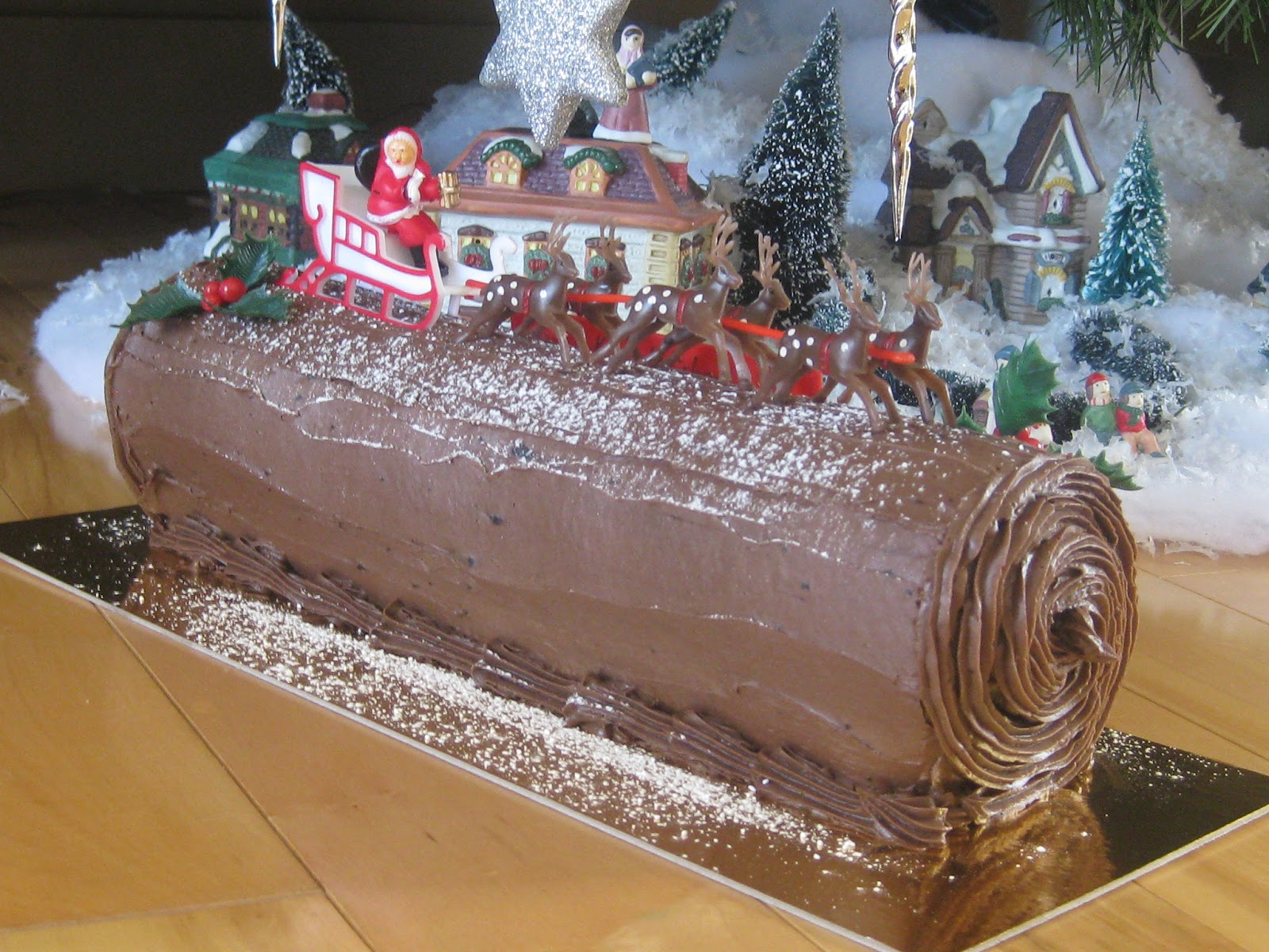 B che de no l traditionnelle bedon gourmand - Buche de noel decorations ...