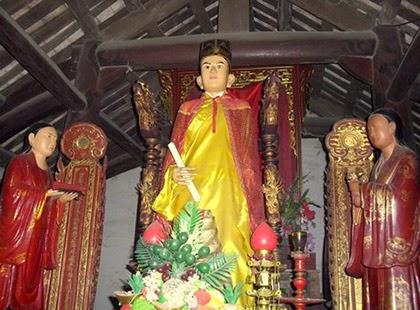 Về làng Bảo Hà chiêm ngưỡng pho tượng biết đứng lên ngồi xuống
