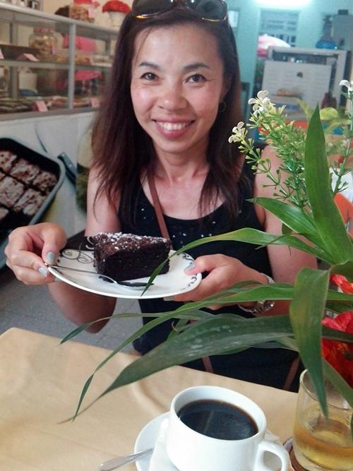 K&T BAKE and EAT ニャチャン チョコレートケーキ