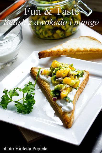 Relish z mango i awokado