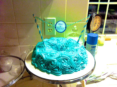 BABY SHOWER BUNDT CAKE