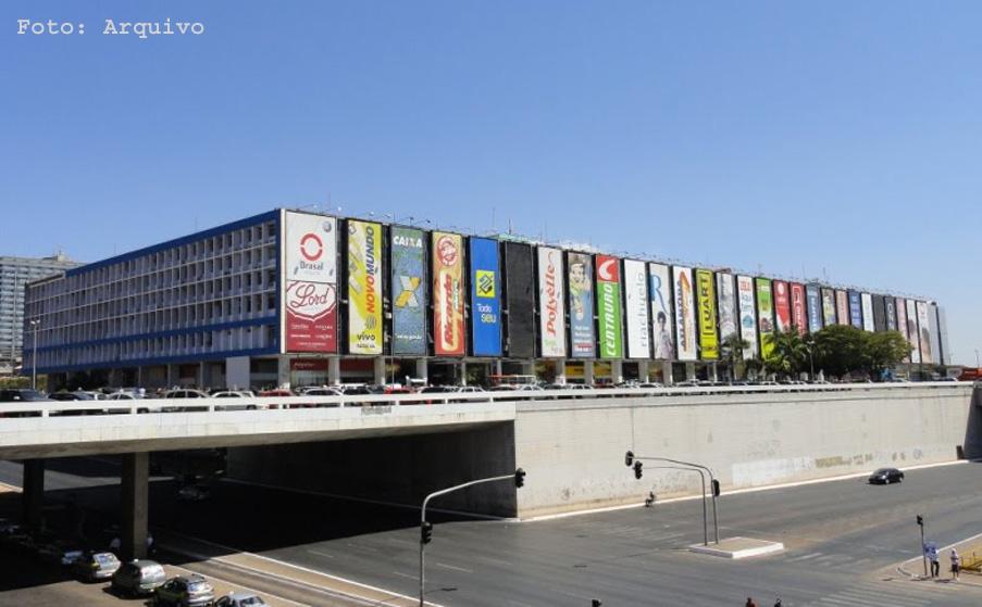 Os consumidores do Conjunto Nacional que utilizam o estacionamento pago  estão em pé de guerra contra o centro de compras. Vários clientes do  shopping usaram ... 98104c1d666a5