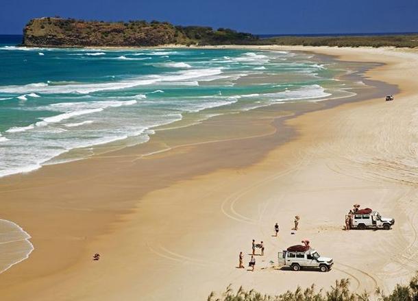 من أروع الشواطئ في العالم على خورة فقط ! 75.png