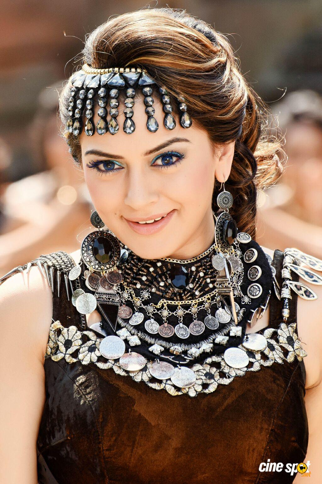 Actress Celebrities Photos Hansika in Puli Movie Latest Stills