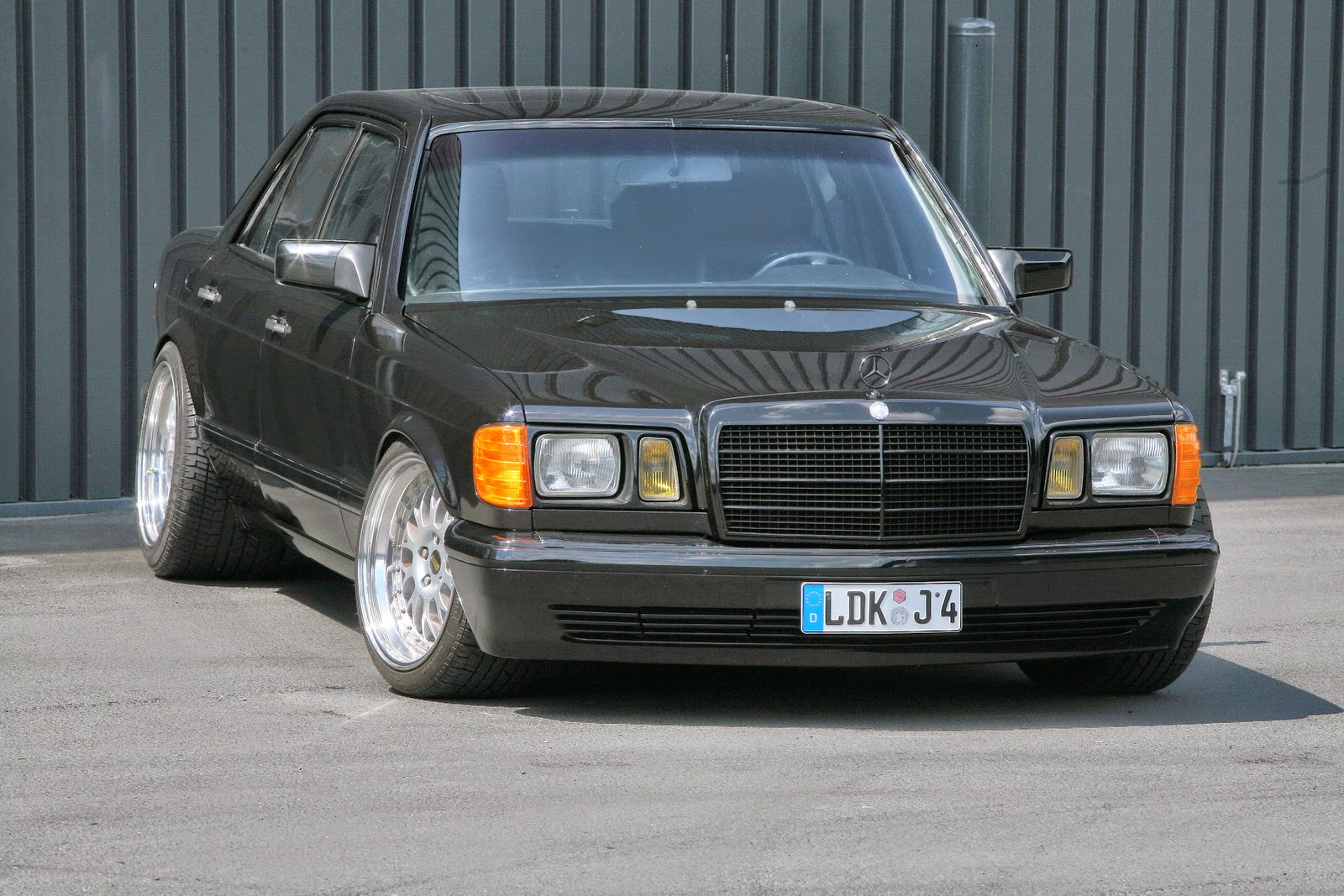 Mercedes benz w126 by inden design benztuning for Mercedes benz tuning