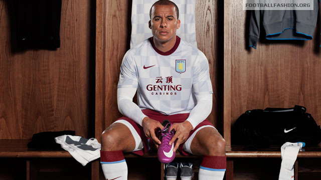 Villa Away Kit