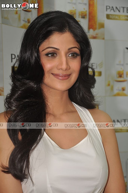 Shilpa Shetty At Pantene Shampoo Event