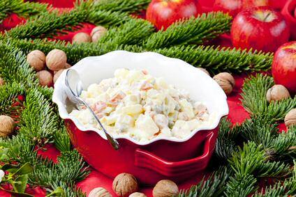 Makkelijke herfstsalade met rode aardappelen en appels