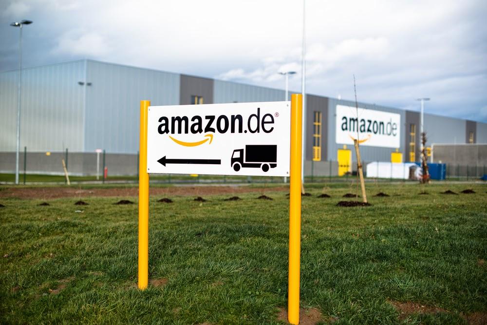 Amazon promises to deliver despite strikes before Christmas