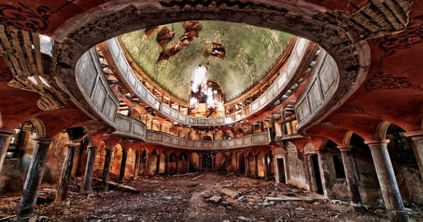 ruins of detroit photo essay · paul sancya/ap photo in september, detroit emergency manager kevyn orr declared a blight emergency to make it easier to tear down the ruins of detroit.