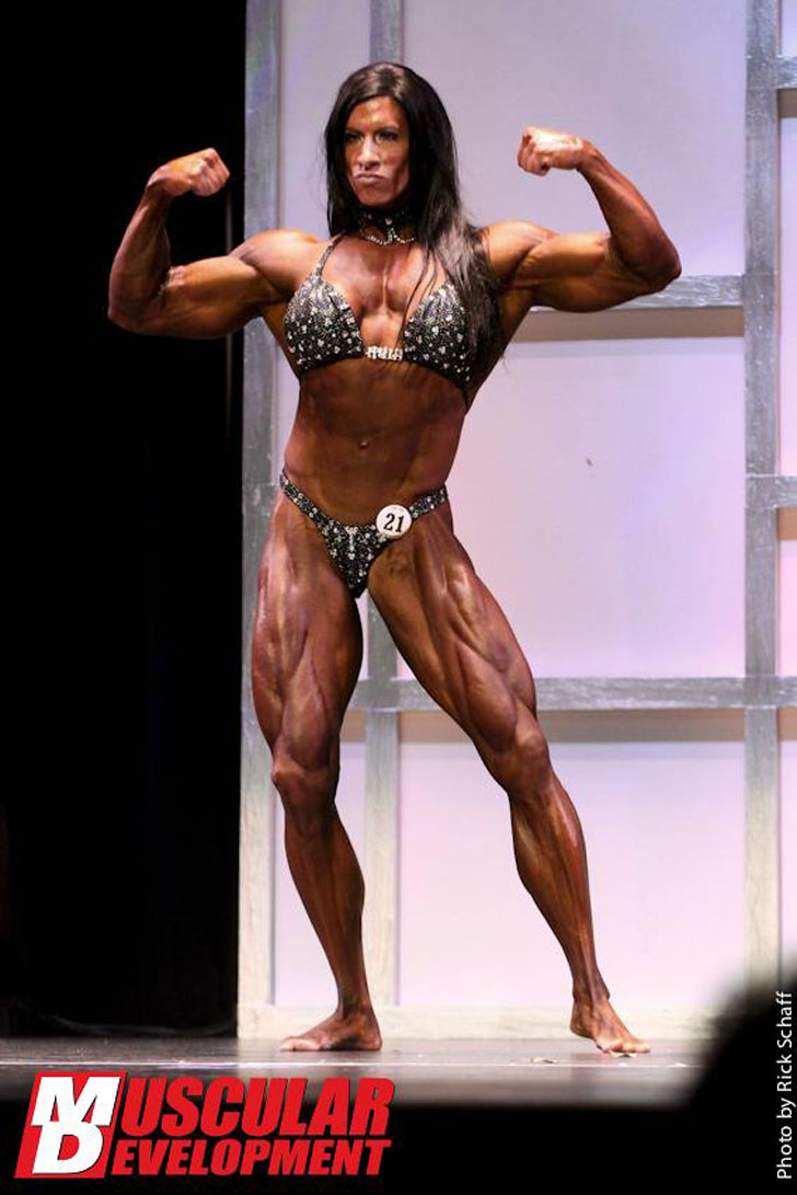 Angela Salvagno Flexing Her Shredded Muscles At The 2011 Tampa Pro