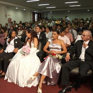 Casais homoafetivos e convidados participam de cerimônia de casamento comunitário em Belém (Foto: Divulgação/Agência Pará)