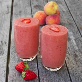 picture of banana strawberry peach smoothie recipe