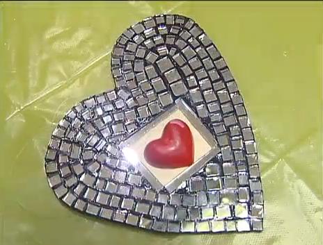 Аналогично сделать часы своими руками ...: www.handmade-beauty.net/2013/02/Kak-sdelat-chasy-svoimi-rukami.html#!