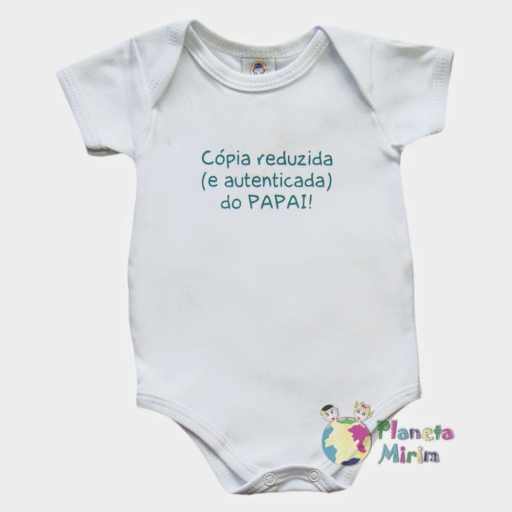 Roupinha de Bebê divertidas para o papai, cópia reduzida e autenticada. Lindo para o papai e para o Bebê.