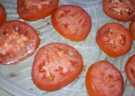 How to make sun dried tomatoes at home, can you dehydrate tomatoes, how to dehydrate tomatoes