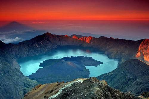 Find The Advice That Will Make Your Travels Smoother rinjani-sunrise
