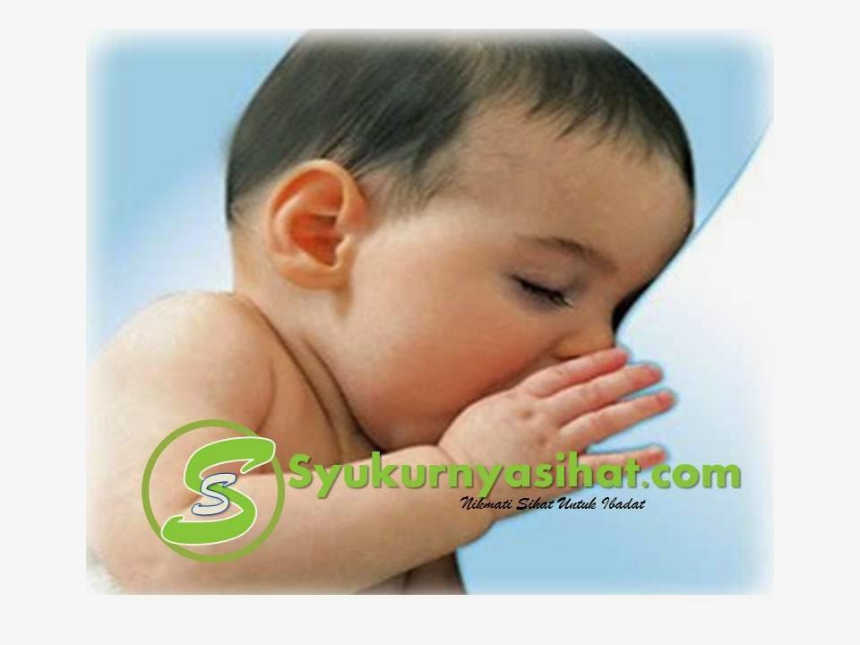 Bayi yang menghidap jaundis memang akan menjadi tidak aktif dan selalu tidur. Jadi ibu-ibu perlu selalu mengejutkan si comel untuk disusukan. Jika bayi anda diberikan susu badan, dia tidak perlu diberikan sebarang cecair lain seperti susu formula atau air sebab penyusuan ibu yang kerap akan memulihkan jaundis.