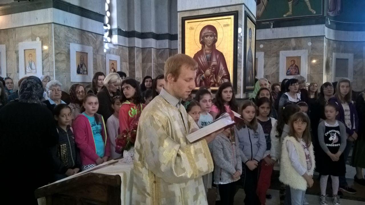 Причешће ученика веронауке у Ветерничком храму, 2017. лета Господњег