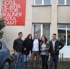 """La Liceul de Artă """"Victor Brauner"""" - Piatra Neamţ, 8.10.2012..."""