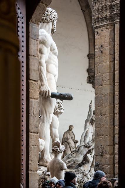 Hércules y detrás la Loggia :: Canon EOS5D MkIII | ISO800 | Canon 70-200@121mm | f/4.0 | 1/80s
