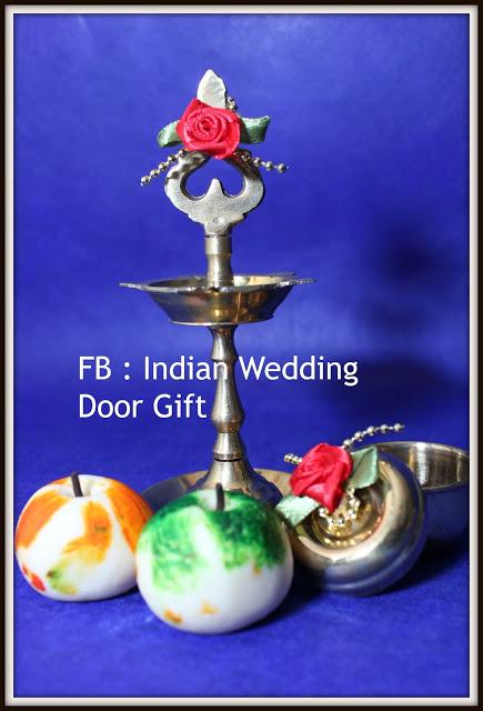 Indian Wedding Door Gift: 5