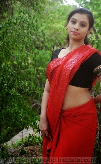 Actress%2BPriyanka%2BNair%2BRed%2BSaree%2BStills%2BSpicy%2BHot%2BPhotos019