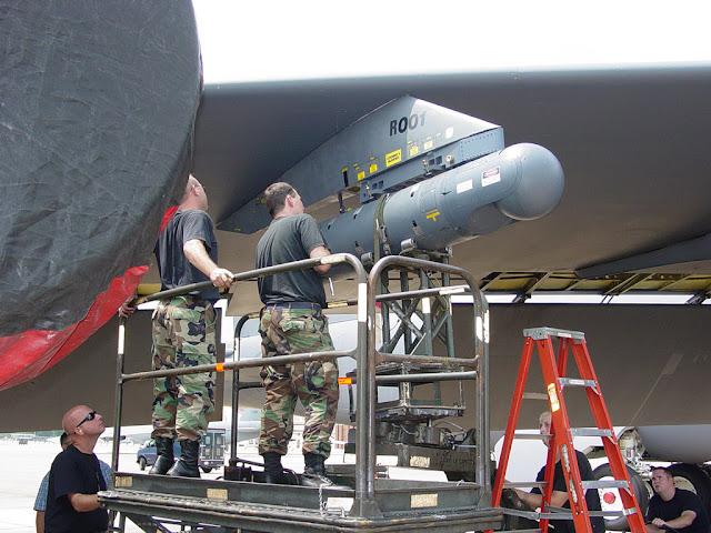AN/AAQ-28(V) LITENING POD