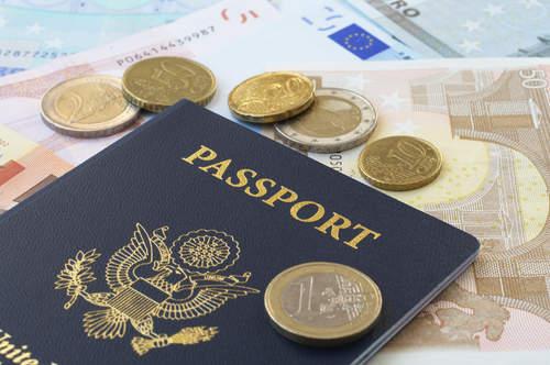 6 Tips Bepergian ke Luar Negeri