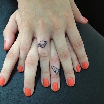 Foto De Tattoos En La Mano De Parejas Imagen De: Blogwildpairconz