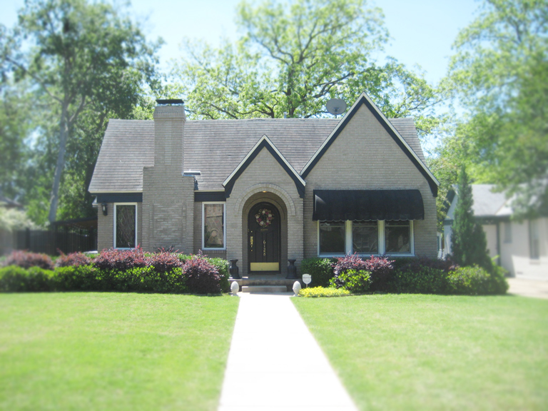 Troy corman on texas real estate the historic homes of for Cottage style homes greenville sc