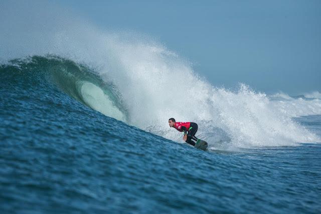 11 Adriano de Souza BRA 2015 Quiksilver Pro France Fotos WSL Poullenot Aquashot
