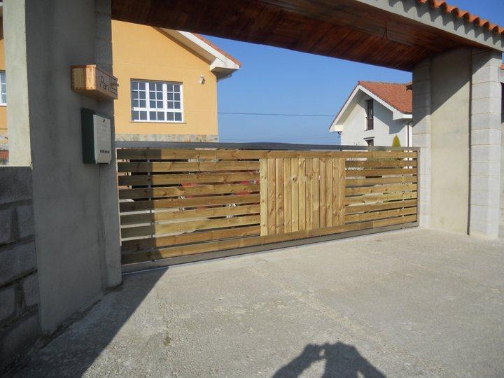 Chapuzas domingueras port n de acero inoxidable y madera for Tejado de madera o hormigon