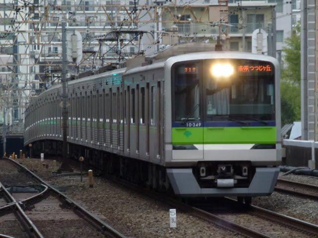 都営新宿線 各停 つつじヶ丘行き4 10-000R形