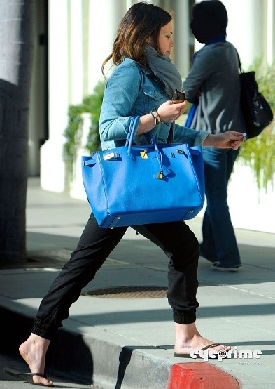 hilary duff 2011 news. Hilary Duff Shopping