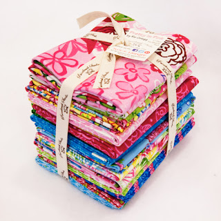 Fat Quarter Bundle GIVEAWAY from Fabri-Quilt!
