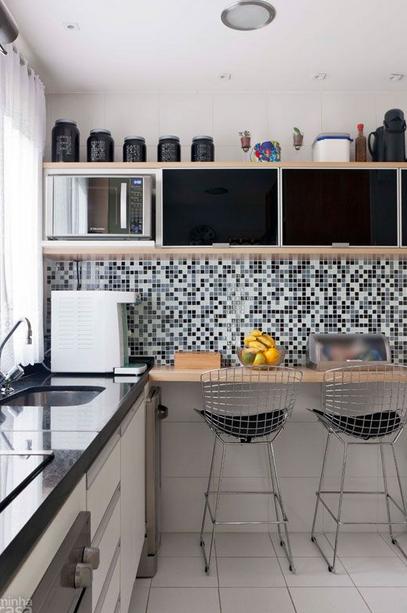 Decoraci n de una cocina en espacios peque os dise o y for Cocinas para espacios pequenos