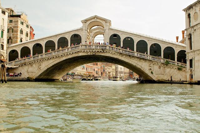 wisata, Rialto bridge,jembatan rialto,Venice,italy,gondola