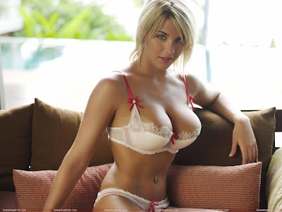 actress_gemma_atkinson_hot_wallpapers_in_bikini_fun_hungama-forsweetangels.blogspot.com