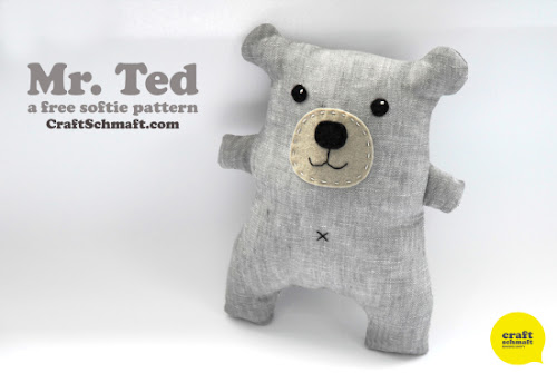 http://craftschmaft.com/2013/07/18/teddy-tutorial-softie-plushie-pattern/