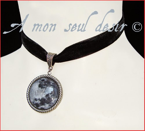 Collier ras du cou gothique velours noir pleine lune loup garou werewolf full moon gothic goth choker necklace