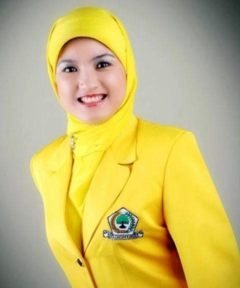 Hj.Siti Aisyah Zurfaih, Caleg Golkar nomor 2 DPRD Prov Jabar VI, Kota Bekasi - Depok