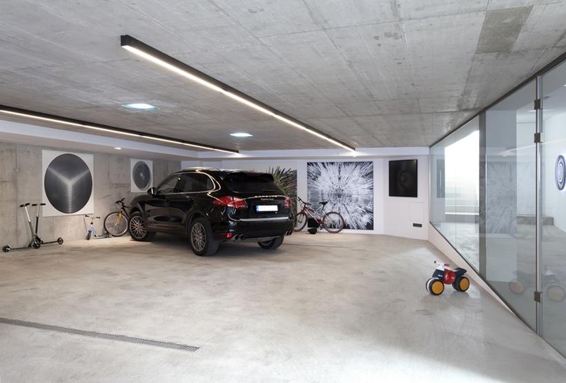 Garage In Ultra Modern House By Architektisk Slovakia