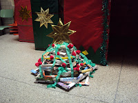 http://patialvesnaeducacao.blogspot.com.br/2012/12/arvore-de-natal-de-revista-e-casa-do_4.html