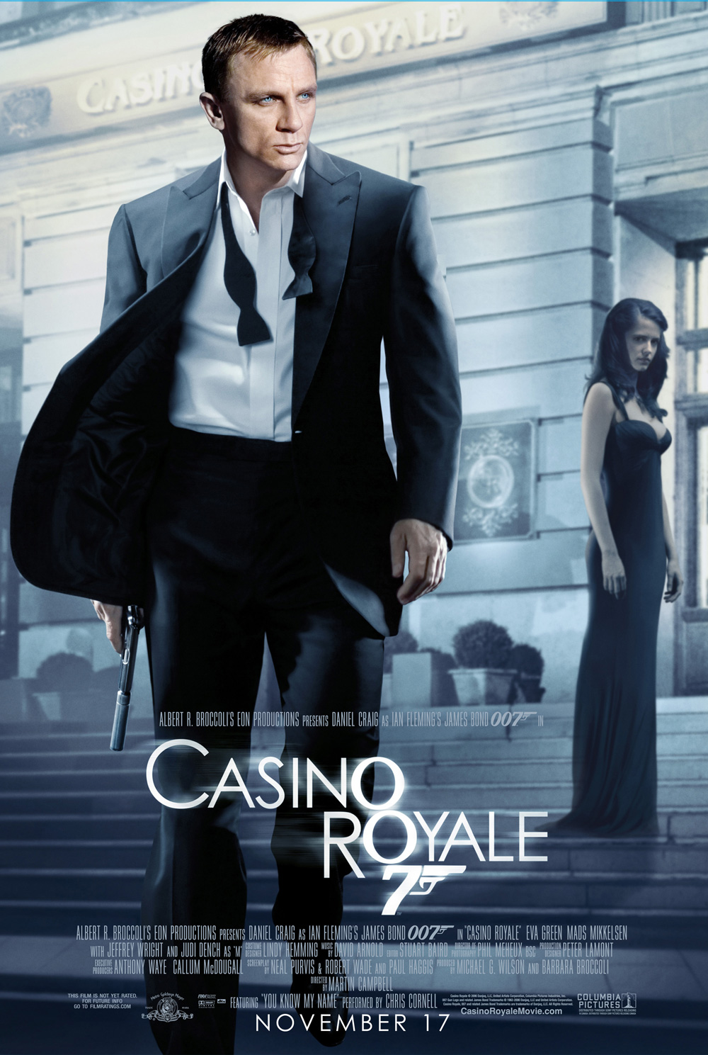 was vesper a traitor in casino royale