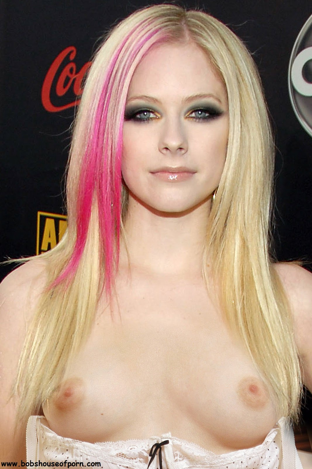 Avril lavign naked GIRL